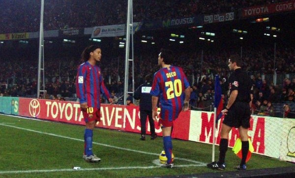 Ronaldinho and deco playing for Barcelona