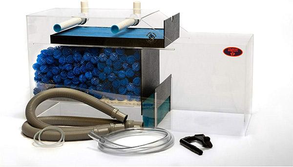 aquarium sump filter equipped with bio ball filter media